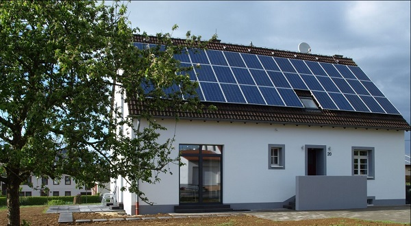 BITControl Building with photovoltaic